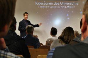 Beim Vortrag in der Isartalsternwarte (Foto von Herrn Kohlhauf)